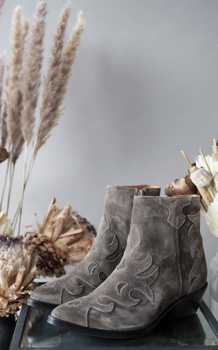 Kjøp Via Vai Cowboy boots til dame på nett   FASHIOLA   Søk